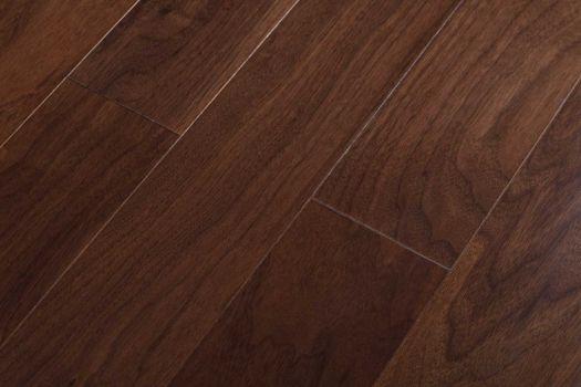 Паркетная доска Baum Comfort Plus Орех Американский Глянец BCP51
